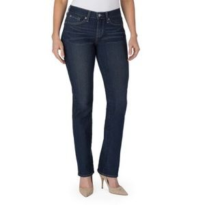 Signature by Levi Strauss Curvy Straight Jeans